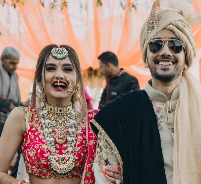 An Intimate Wedding In The Hills With A Bride In A Stunning Mehendi Outfit