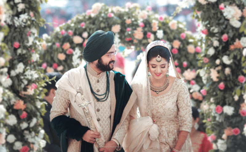 Kunwarjit & Harneet's Elegant Delhi Wedding With Exquisite Decor & A Gorgeous Bride!