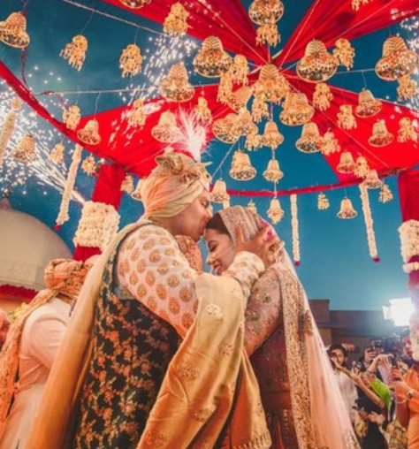 This Oberoi, Chandigarh wedding was styled by the fashion blogger groom himself!