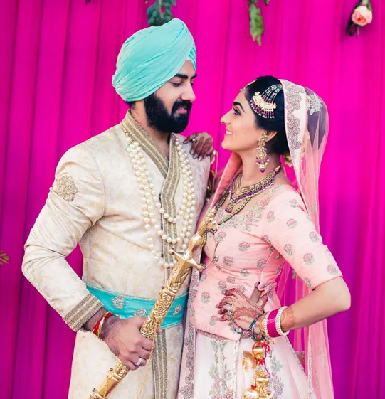 She loves baking so he proposed to her with cupcakes. Needless to say, Manmeet and Mannat's elegant wedding in New Delhi was full of sweet touches