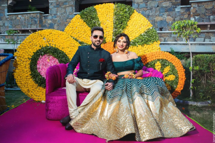 An Udaipur Wedding With The Bride In A Stunning Mehendi Outfit