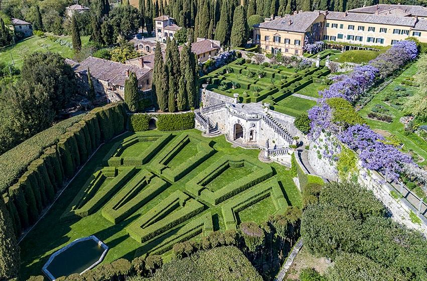 One that every couple has on their mind, Destination wedding in Italy!